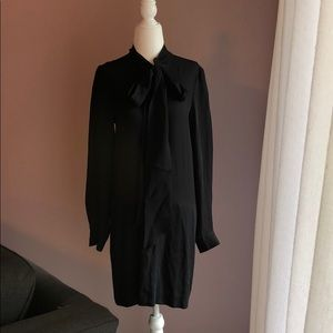 Theory Silk Size 6 Black Dress with Pockets